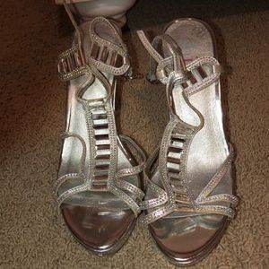 Only worn once cute heels